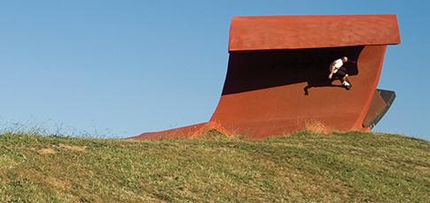Skateboarders vs Minimalism at the Cutaway Barangaroo Reserve